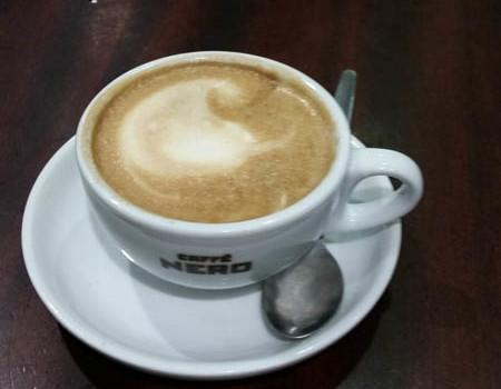 Flat White in Cafe' Nero.