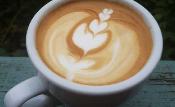 Latte art tips for domestic espresso machines.